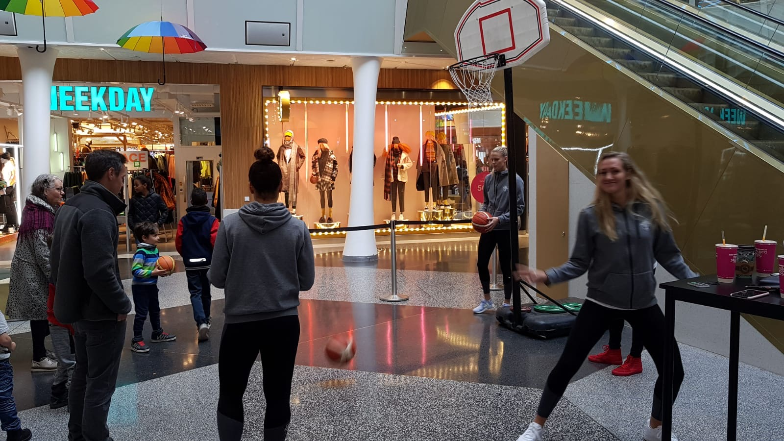 Basketaktivitet i galleria
